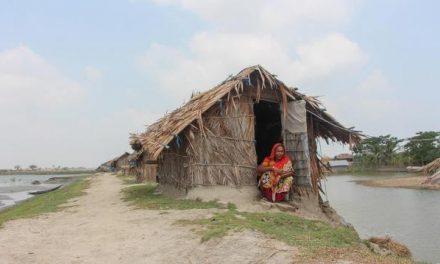 ভাঙন-জলোচ্ছ্বাস ও প্রাকৃতিক দুর্যোগের কবলে সুতারখালী ইউনিয়নের ৪০ হাজার মানুষ